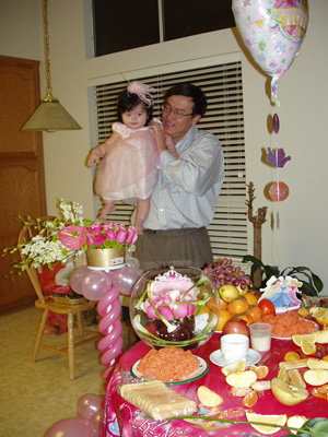 {Alysa and Daddy in Kitchen}